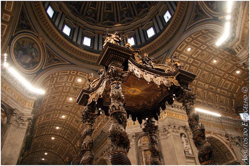 Altar mayor, boveda, techo